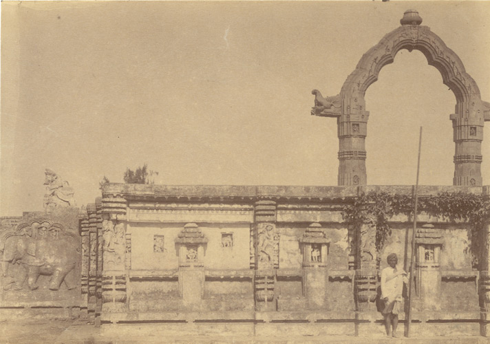 View of the Dol-Mandapa, Puri from outside the exterior wall